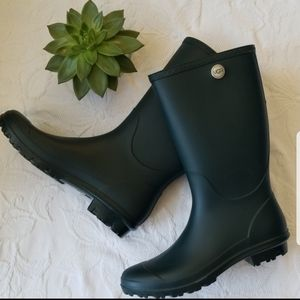 NWT UGG Shelby Rain Boots